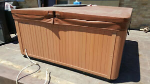 URGENT MUST GO - HOT TUB FOR SALE