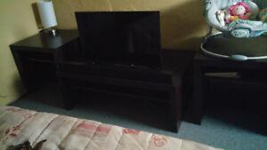 Televiseur 32 pouce + Barre de son + Table
