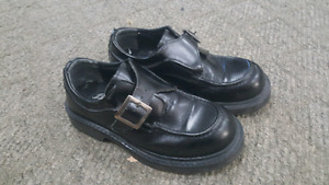 Men's dress shoes. Sz 8