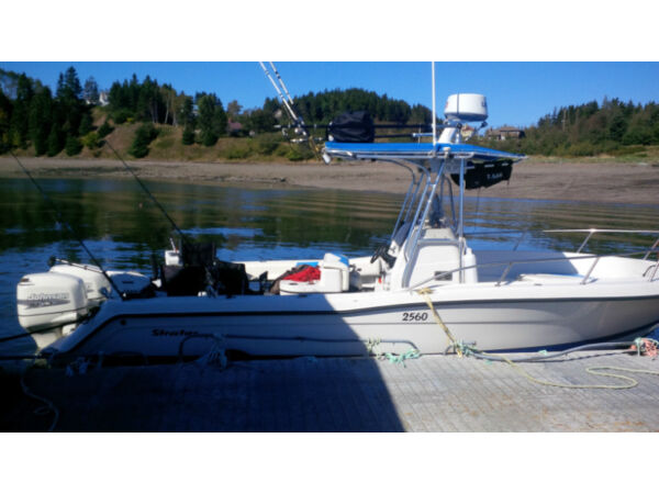 Used 2001 Stratos Boat Co Stratos Center Console