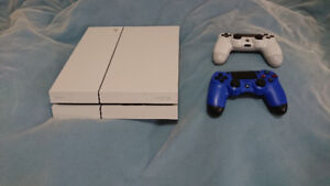 Used Glacier White PS4 {Upgraded 1 TB, 2 controllers, games etc}