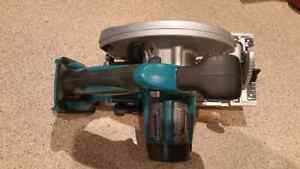 18V LXT, 6 1/2-inch Circular Saw (Tool Only) Kitchener / Waterloo Kitchener Area image 3