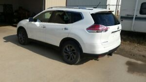 2016 Nissan Rogue white SUV, Crossover