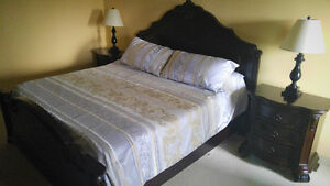 BEAUTIFUL KING SIZE BEDROOM  SET. MUST SEE!