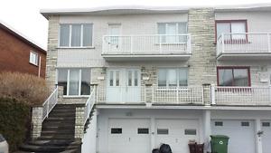6½, Well-lit, Upper, Semi-detached duplex 30'x42'