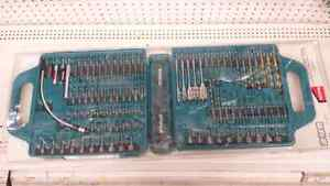 Makita 99 pieces bits and drills set