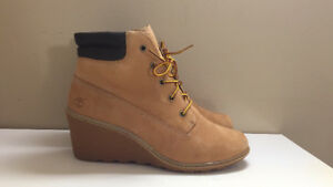 Timberland women's amston 6-inch boots in wheat nubuck size 9