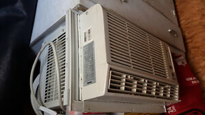 8000 btu air conditioner with remote.. excellent condition