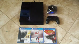 Mint Ps4 with 3 games!
