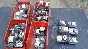 MOTEURS ÉLECTRIQUES MINIATURES 208/240 volts
