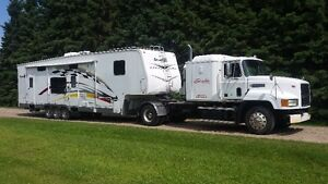 REDUCED PRICE 2006 Gearbox Toy Hauler