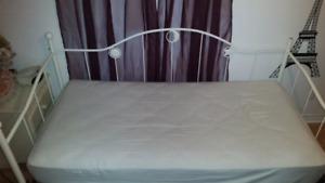 Base de lit simple