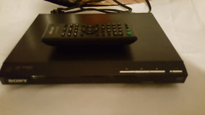 Sony DVD video disc player with remote