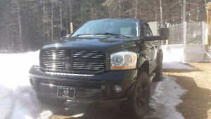 2006 Dodge Power Ram 1500 équipé Camionnette