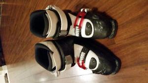 Kids ski boots - sz 3