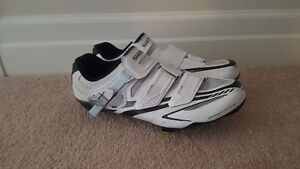 Shimano R170 road cycling shoes with Shimano SPD-SL cleats