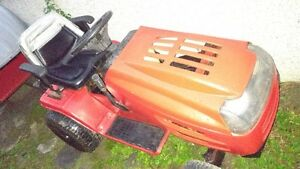 Tracteur 18 forces, Briggs & Stratton, 175$
