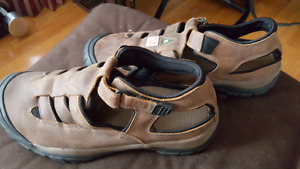 mens size 10 Terra Steel toe SANDALS....CSA approaved
