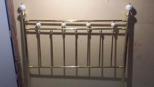 Tête de lit queen 60 pouces en brass véritable