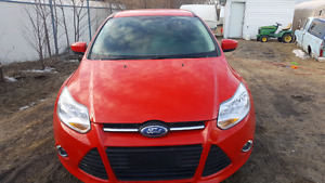 2012 FORD FOCUS 4 DOOR HATCH BACK