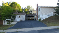 Lovely Bungalow with Huge 20x30 heated workshop in Elliot Lake