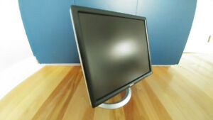 LCD Monitor - Dell UltraSharp