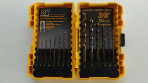 NEW Dewalt 14 pc Gold Ferrous Drill Bit Set in Tough Case $17