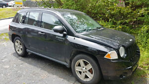 2007 jeep compass 2.4l comes with 4 new winter tires