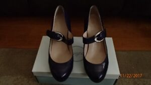 "Franco Sarto Purple 4"" Leather Shoes/Chaussures en Cuir Violet"