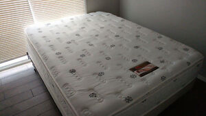 Queen mattress and boxspring set for sale