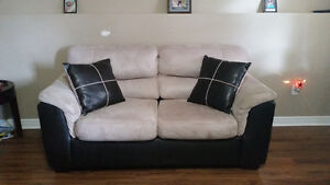 Selling 2 identical loveseats