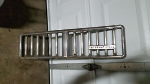 Price drop1975 international harvester scout grill in good shape