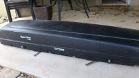 Karrite 1100 roof top ski box (Excellent Condition)