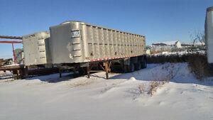 Plusieurs trailers dompeur hybride (vendu séparément)