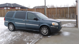 2005.Buick.van.