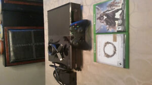 Xbox one, EUC, comes with controller, cables, two games.