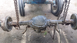 Dana 60 front axle . And stirling 10.25 rea