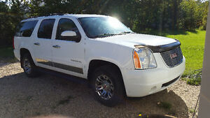Lady Driven GMC Yukon XL