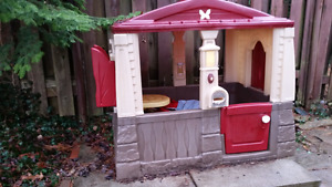 Little tykes playhouse/cottage