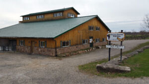 A Beautiful Large Commercial Building In 1000 Island for Lease