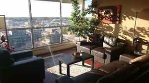 Fully Furnished/All Included 18-floor condo to share in Downtown