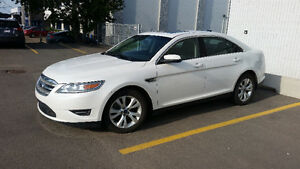 2010 Ford Taurus AWD (all wheel drive) Low Mileage