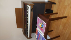 Estey Discovery II Electric Organ/Piano