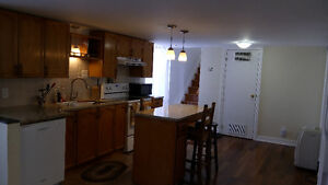 3Bed/2bath for students, available May 1, 2017