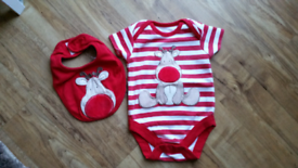 Baby CHRISTMAS 2pc set Bodyvest & Bib 3-6 mths