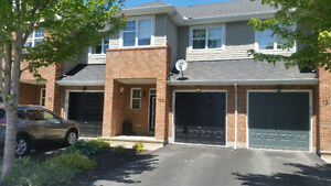 Beautiful townhouse for rent Sept 1st in Barrhaven!!!!!!!!!!!