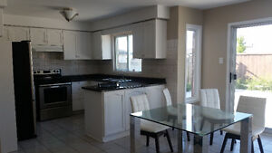 ALL FEMALE House - rooms for rent-Humber College North