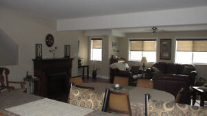 Centrally located executive condo in desirable Heritage Prince George British Columbia image 8