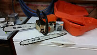 Stihl MS250 chainsaw, with extra bar, chains and case