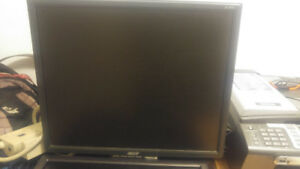 19 inch acer LCD screen in great working condition.